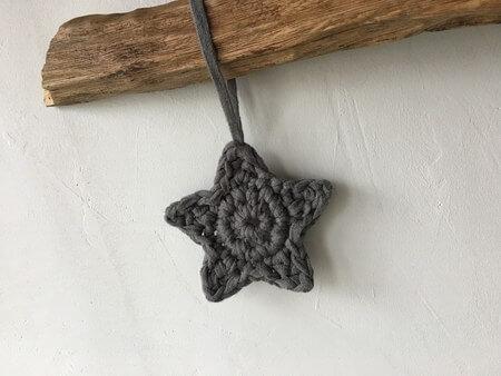 gehaekelte-Sterne-aus-Baendchengarn-aus-450