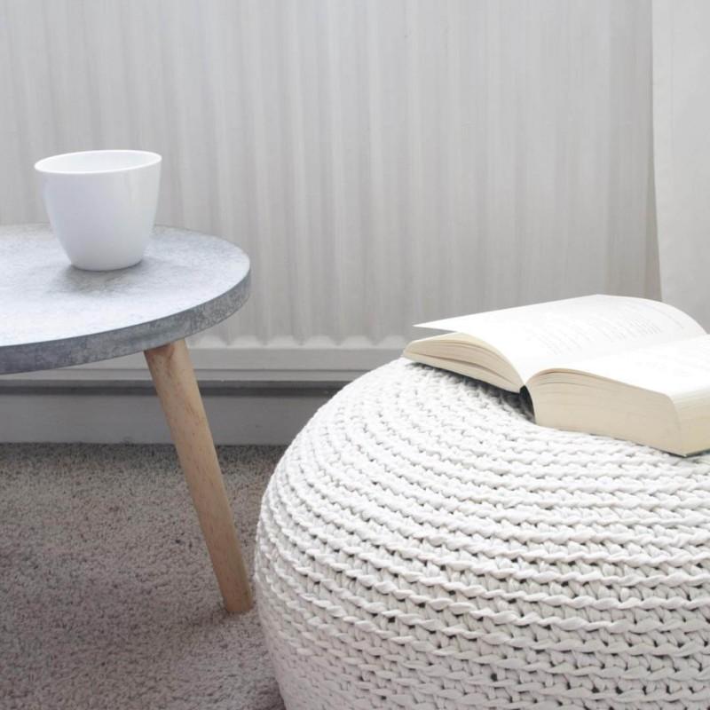 DIY Beispiel Bodenkissen aus Bändchengarn stricken