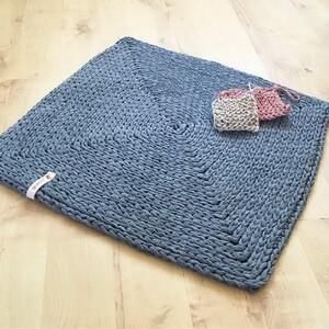 Beispiel: Quadratische Teppiche häkeln mit Strickschnur