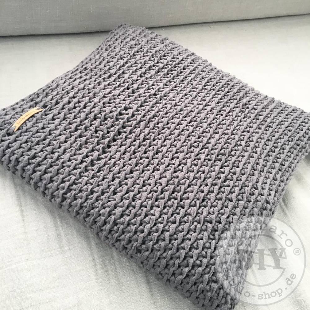 Kissen-selber-haekeln-Beispiele-von-Textilo-3