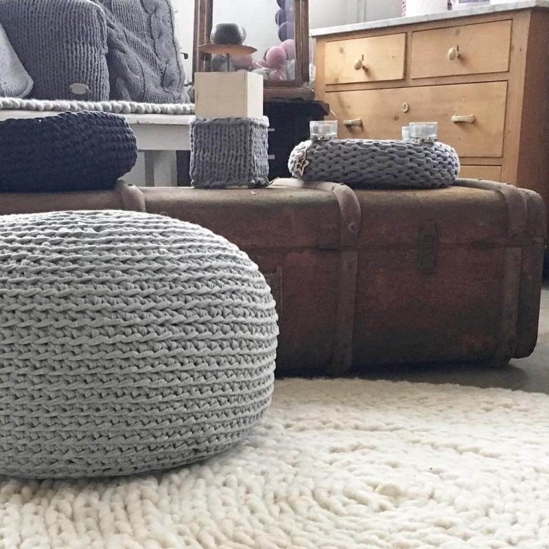 Bodenkissen aus Textilo Stripe hellgrau melange